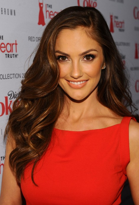 2013 Side Part Hairstyle with Big Waves