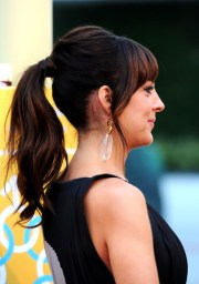 loose ponytail - hairstyles weekly