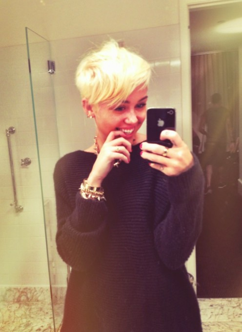 Miley Cyrus New Short Hairstyles 2012: the short pixie cut