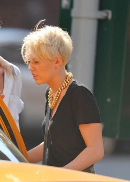 Side Veiw of Miley Cyrus Short Pixie Haircut