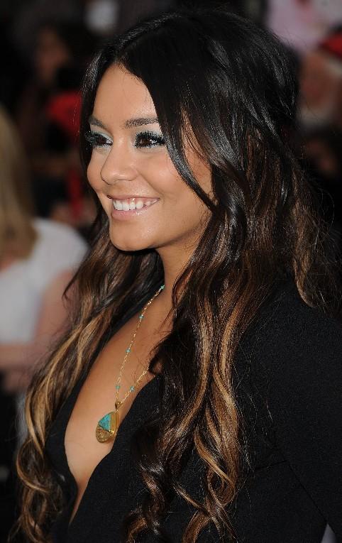 Vanessa-Hudgens-sexy-long-ombre-hair