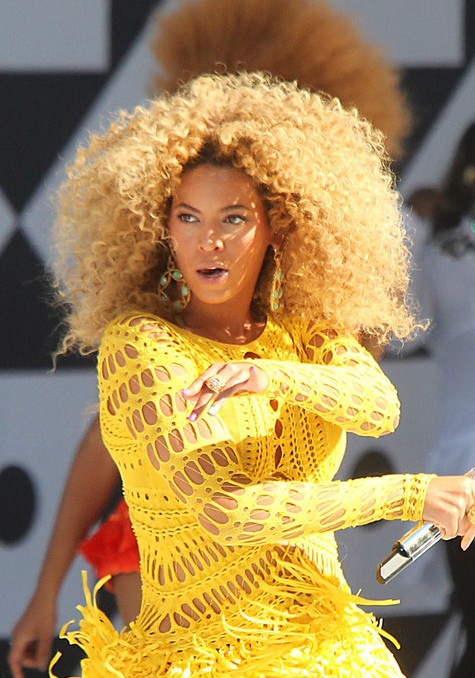 Beyonce Knowles Curly Hair Styles