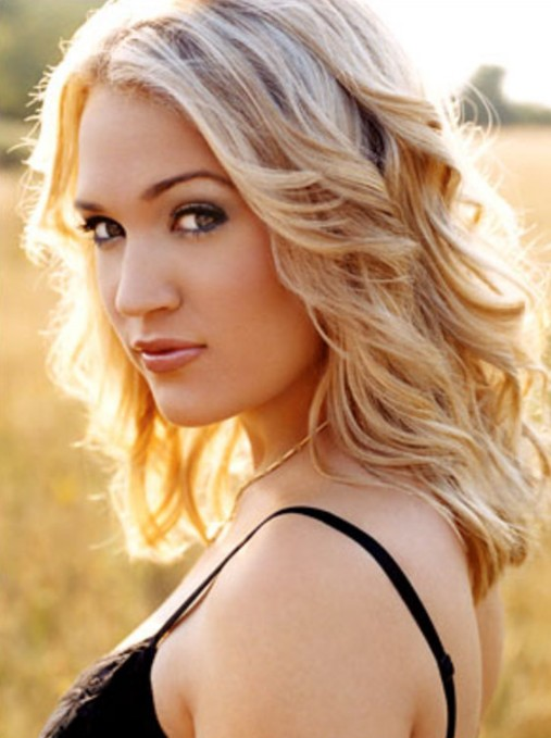Carrie Underwood Hairstyles Sexy Blonde Wavy Hair