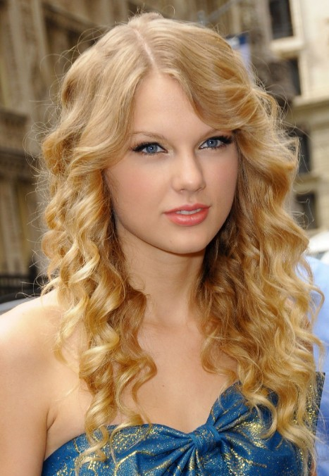 Hairstyles Weekly Some Styling Tips For Curly Hair Styles