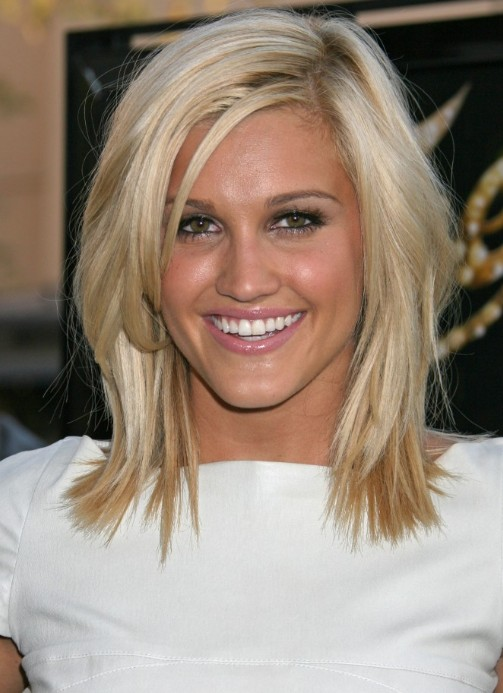 Cute Medium Length Hairstyle Medium Straight Hair Style
