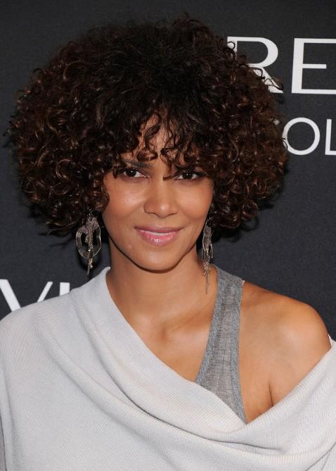 Halle Berry Medium Brown Curly Hairstyles Hairstyles Weekly