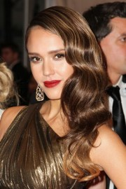 jessica alba long hairstyle glamour