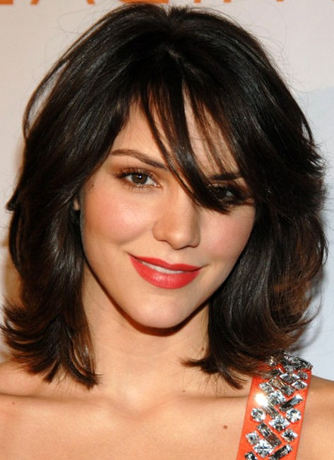 Latest Medium Layered Hairstyles with Bangs