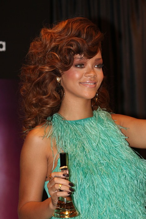 rihanna curly hairstyles long