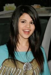 selena gomez lovely straight hairstyles