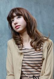 asian girls shoulder length wavy