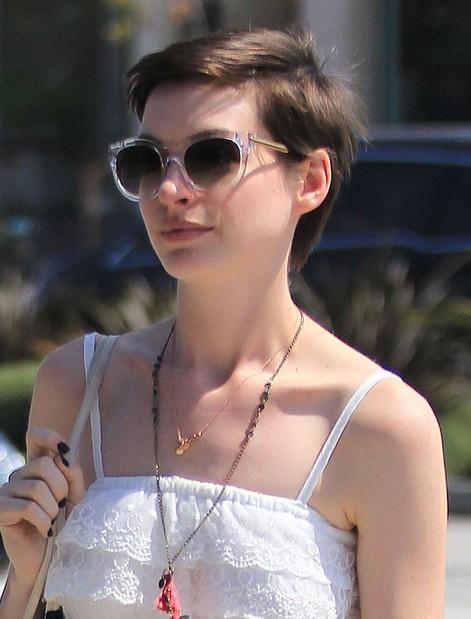 Anne Hathaway Short Boy Cut for Women