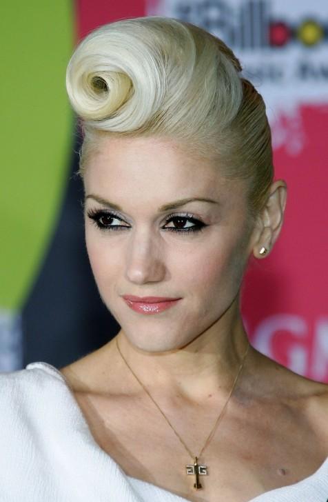 Gwen Stefani Retro Updo  Hairstyles Weekly