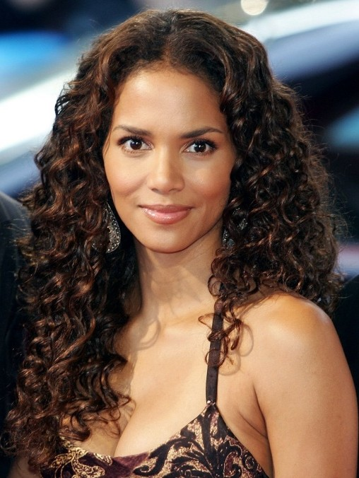 Halle Berry Short Curly Hair : halle, berry, short, curly, Halle, Berry, Curly, Hairstyle, Hairstyles, Weekly