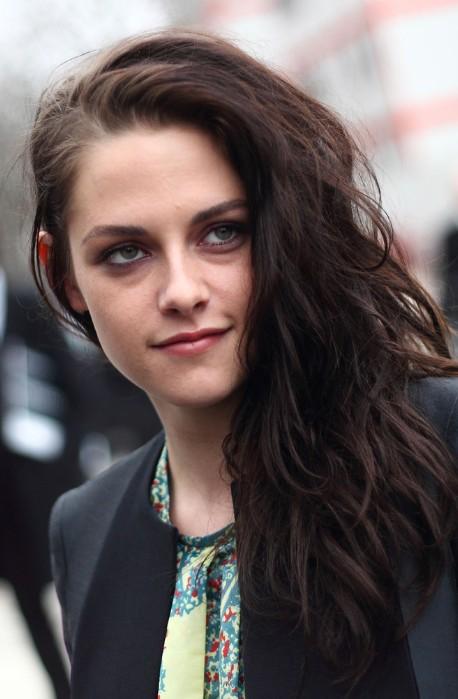 Kristen Stewart Long Side Swept Wavy Hairstyle