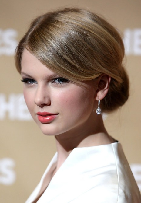 Taylor Swift Classic Sleek Chignon With Side Swept Bangs
