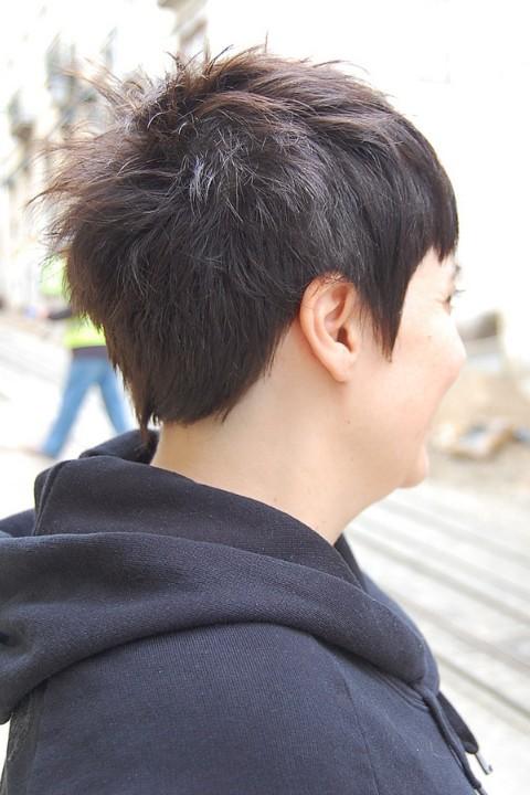 Trendy Short Chic Dark Haircut with Stylish Short Bangs  Hairstyles Weekly