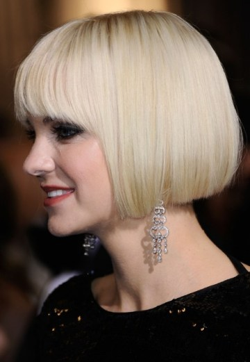 Side View of Anna Faris Platinum Bob Hairstyle