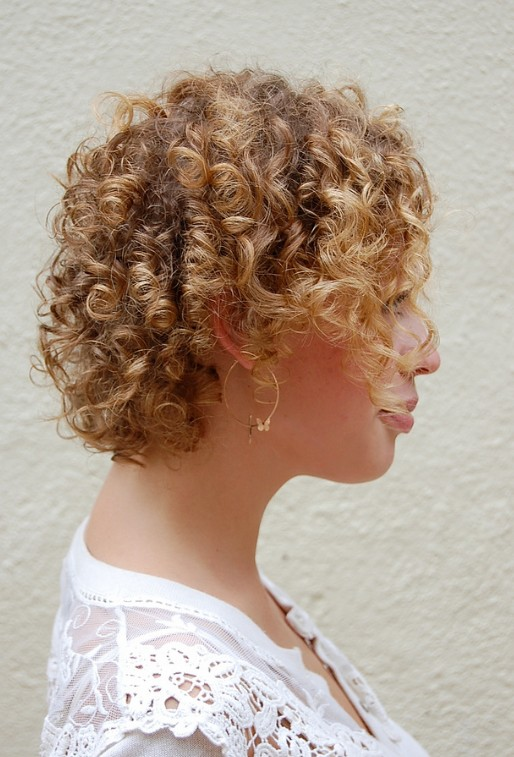 Cute Corkscrew Curls with Vshaped Nape Haircut  Hairstyles Weekly