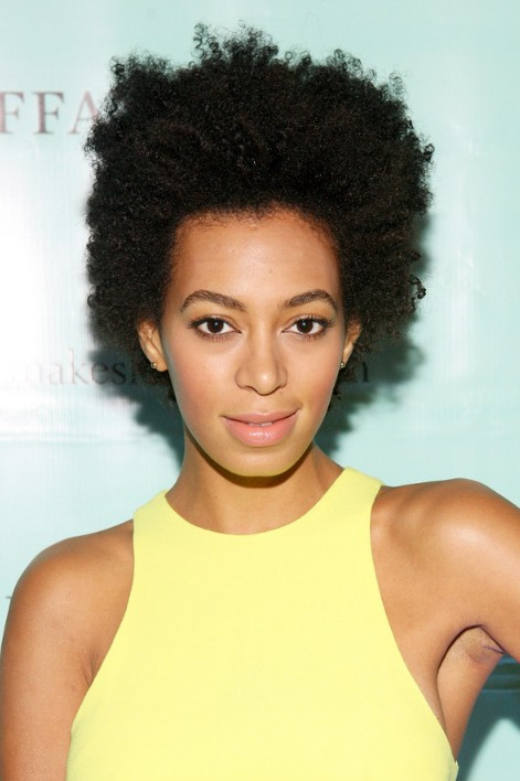 Solange Knowles Short Naturally Curly Hairstyle Hairstyles Weekly