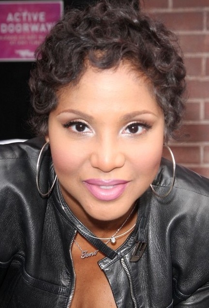 Toni Braxton Short Curly Hairstyle Hairstyles Weekly