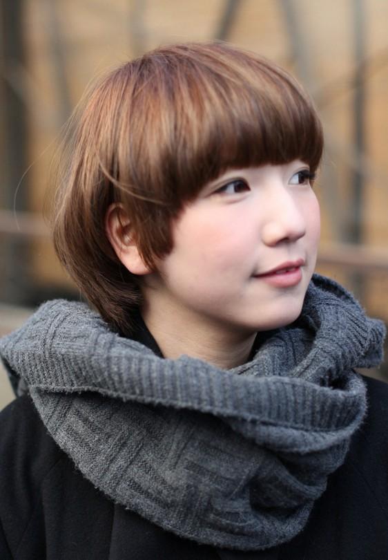 Cute Short Pageboy Cut – Pert & Pretty Mushroom Bob Haircut