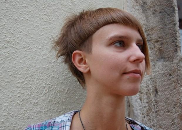 Stylish Asymmetric Short Hairstyles for Women