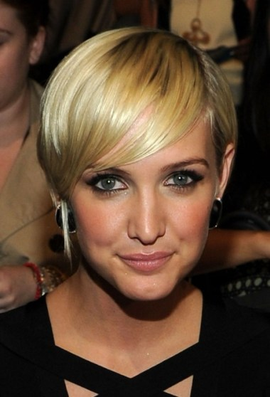 Ashlee Simpson Short Hairstyles 2013