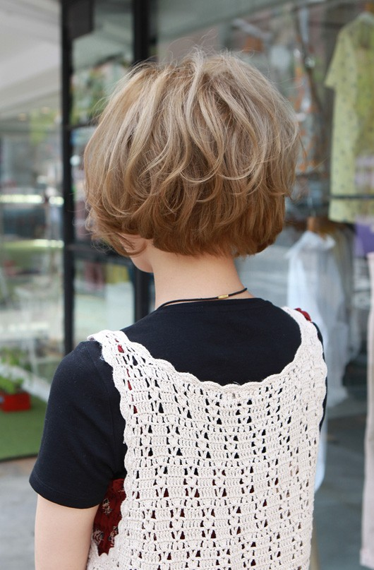 Back View of Cute Short Japanese Bob Hairstyle with Curls
