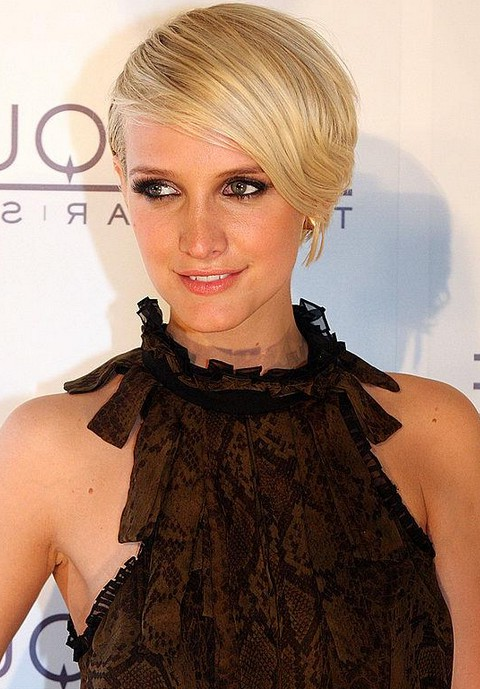 Short Chic Blonde Deep Side Part Haircut With Bangs