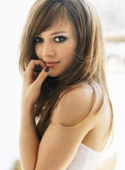Lovely Long Hairstyle for Girls  Softly Fringed Long  Smooth Hairstyle from Hilary Duff