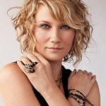 Jennifer Nettles short blonde curly bob hairstyle