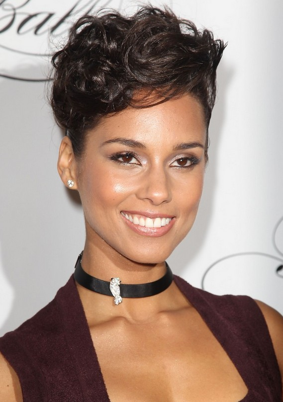 simple easy short hairstyles for women - Alicia Keys short haircut