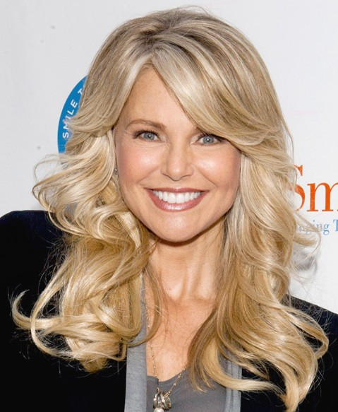 Long blonde wavy hairstyle 2014 - Christie Brinkley hairstyle