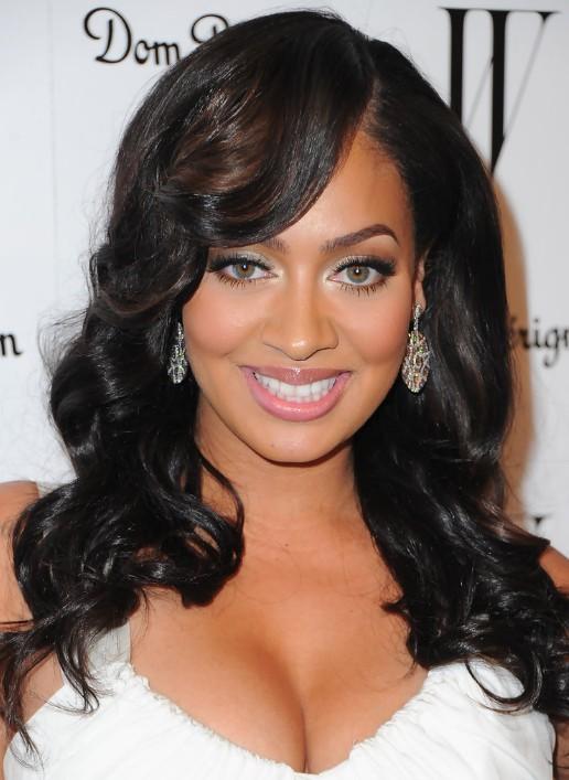 Long black wavy hairstyle for black women - La La Vazquez hairstyle