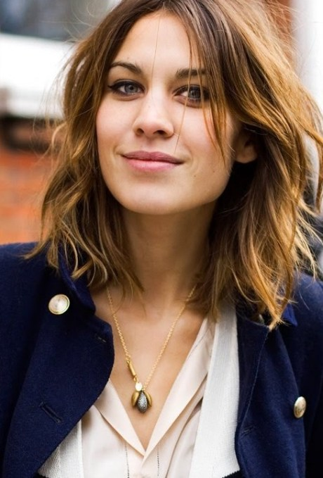 Short Wavy Bob - Casual Messy Wavy Bob Hairstyle for Thick Hair
