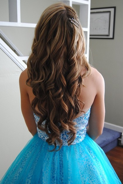 Perfect Long Hairstyles for Prom