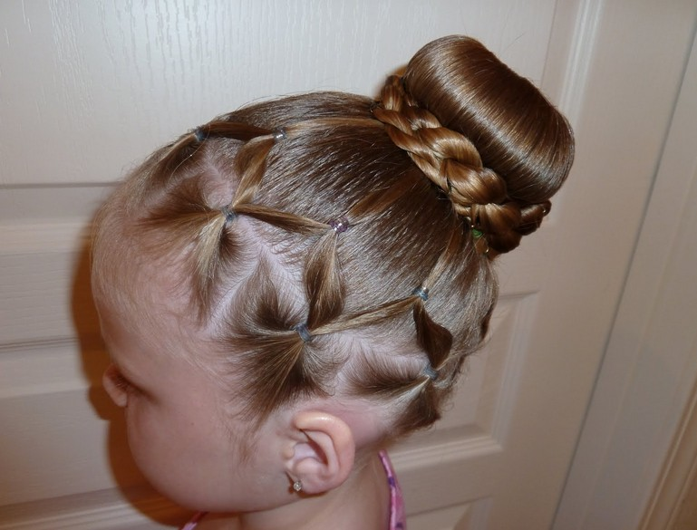 Popular Updo Hairstyles for Girls