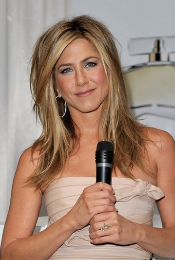 Jennifer Aniston Medium Layered Hairstyle