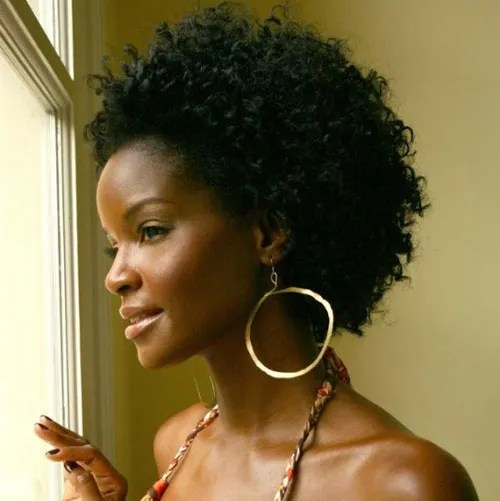 Popular Short Black Curly Hairstyle for Black Women