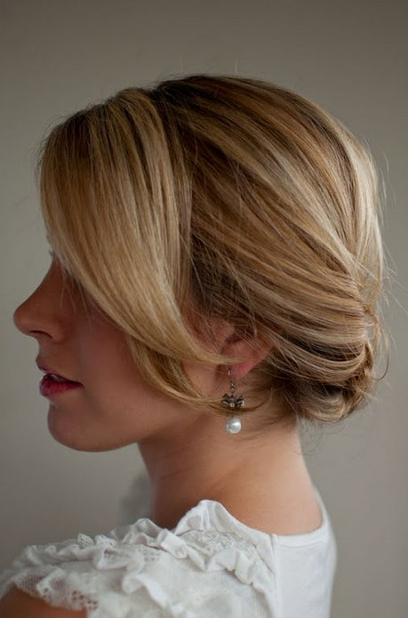 Smooth Simple Flattering Updo Hairstyle For Long Hair