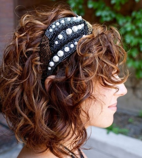 Cute Messy Curly Hairstyle for Girls