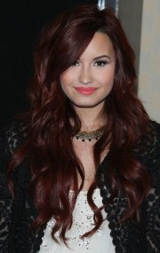 demi lovato hairstyle layered