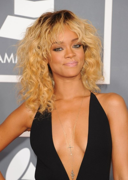 Rihanna Blonde Curly Hairstyle for Shoulder Length Hair