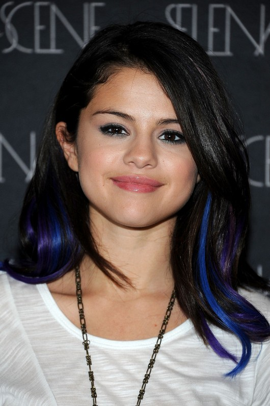 Selena Gomez Long Wavy Hairstyle with Bangs for Girls