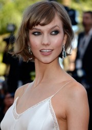 flattering short haircut with side