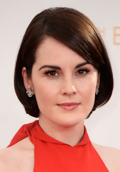 Michelle Dockery short hairstyle with side swept bangs for women