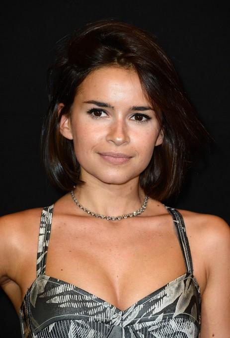 Miroslava Duma latest short hair style for women