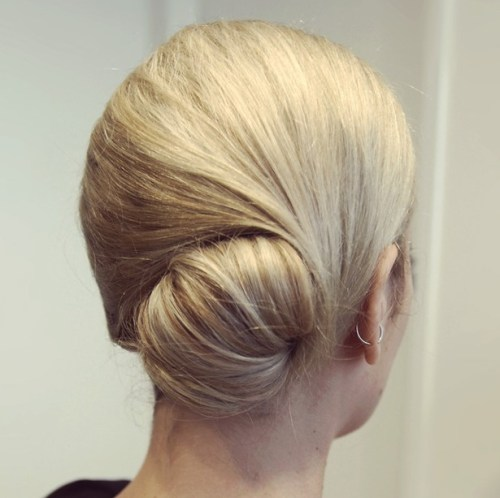 low glamorous bun for prom