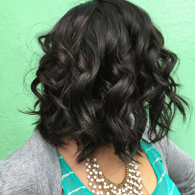 Naturally Wavy bob hairstyle for black women